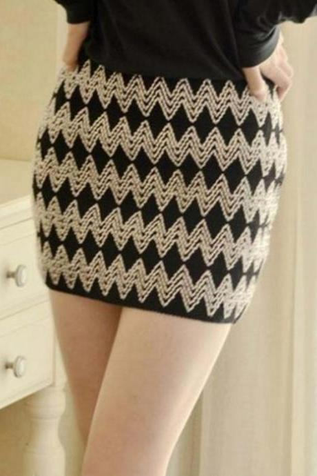 Zigzag Print Bodycon Skirt Black